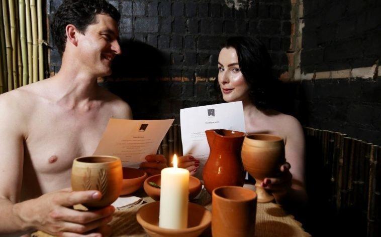 Во Франции открылся ресторан для нудистов nudist, ресторан, франция