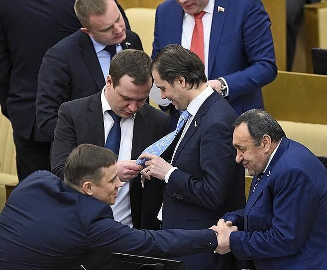 Американцам показали будни Государственной Думы России... и забурлило 9gag, государственная дума, депутат, депутаты, идиотизм, опозорить страну, позор, политики