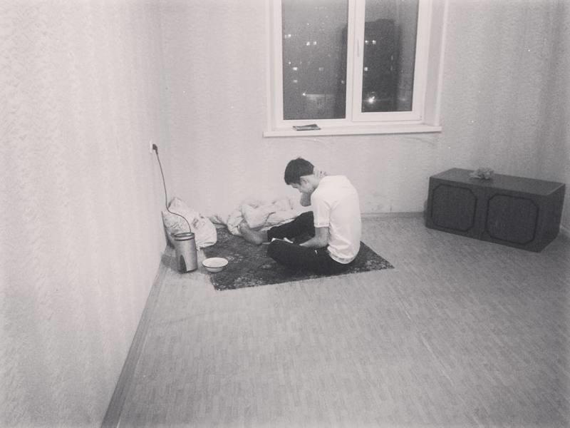 Первый вечер в съемной квартире вольная птица, одиночки, сам по себе, холостяки