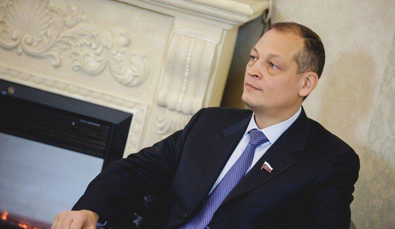 6) 141 198 руб депутатская зарплата, депутаты, жены депутатов, зарплата политиков