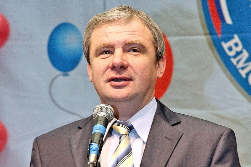 7) 220 890 738 руб депутатская зарплата, депутаты, жены депутатов, зарплата политиков
