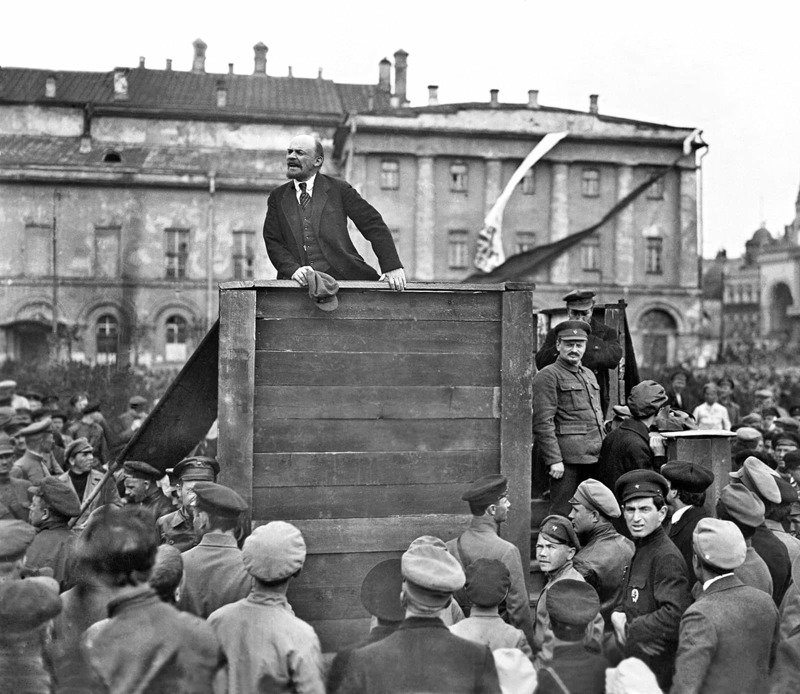 bolshevik revolution The russian revolution was a pair of revolutions in russia in 1917 which dismantled the tsarist autocracy and led to the rise of the soviet union.