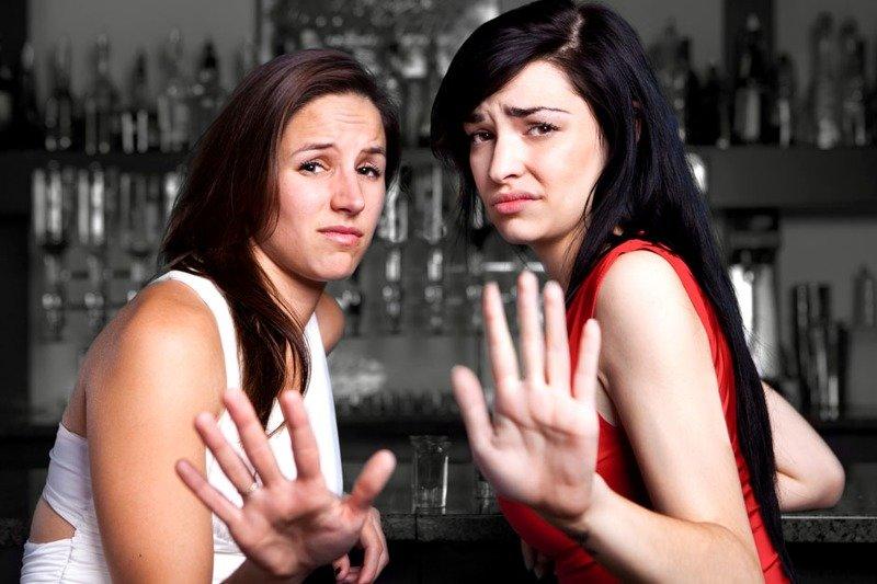 почему все девушки отказывают в знакомстве