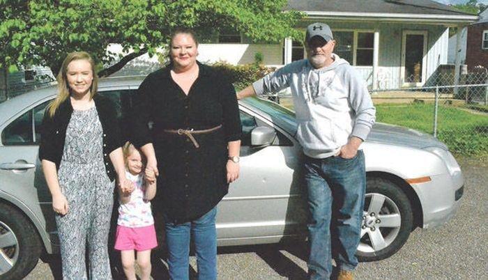 Мужчина купил подержанную машину и нашел бардачке письмо от прежнего владельца ford, авто, автомобиль, добро, доброта, письмо, послание, семья