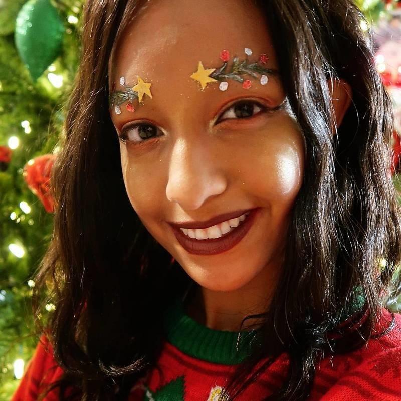 Люди превращают брови в «рождественские ёлки» и это новый праздничный тренд красоты trend, брови, елочка, идея, красота, креатив, макияж