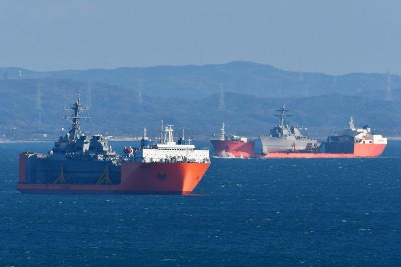 Как перевозят повреждённые военные корабли в мире, военное, интересно, корабли, корабль, перевозка