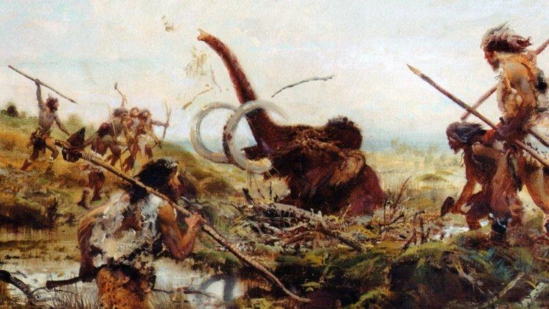 Наш мозг до сих пор соответствует жизни охотников и собирателей. В индустриальной эре мы всего пару веков, в аграрной 10 тыс. лет, а собирателями были на протяжении сотен тысячелетий древние люди, история, факты, человечество