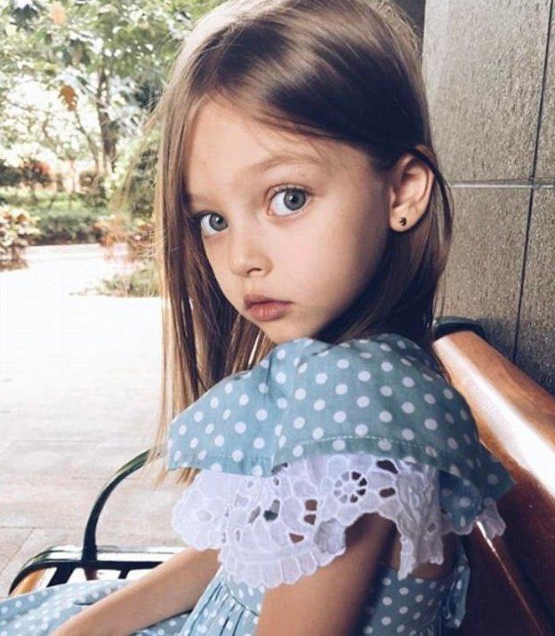 Девочка осталось дома и довела сама себя видео онлайн