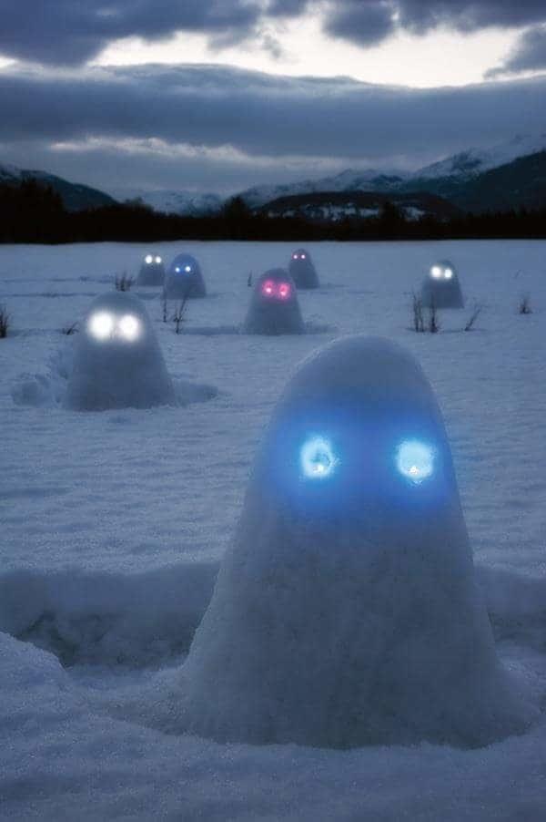 Нашествие снеговиков-инопланетян зима, креатив, новый год, снег, снеговик, творчество, фото, юмор