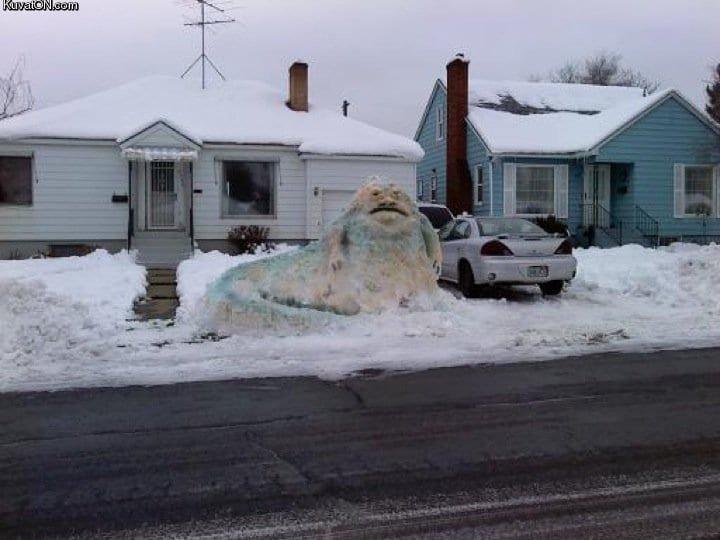 Сторожевая жаба зима, креатив, новый год, снег, снеговик, творчество, фото, юмор