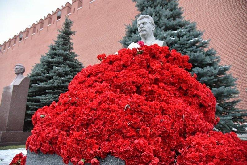 """Жителі Новосибірська мітингували проти встановлення пам'ятника """"катові"""" Сталіну - Цензор.НЕТ 5283"""