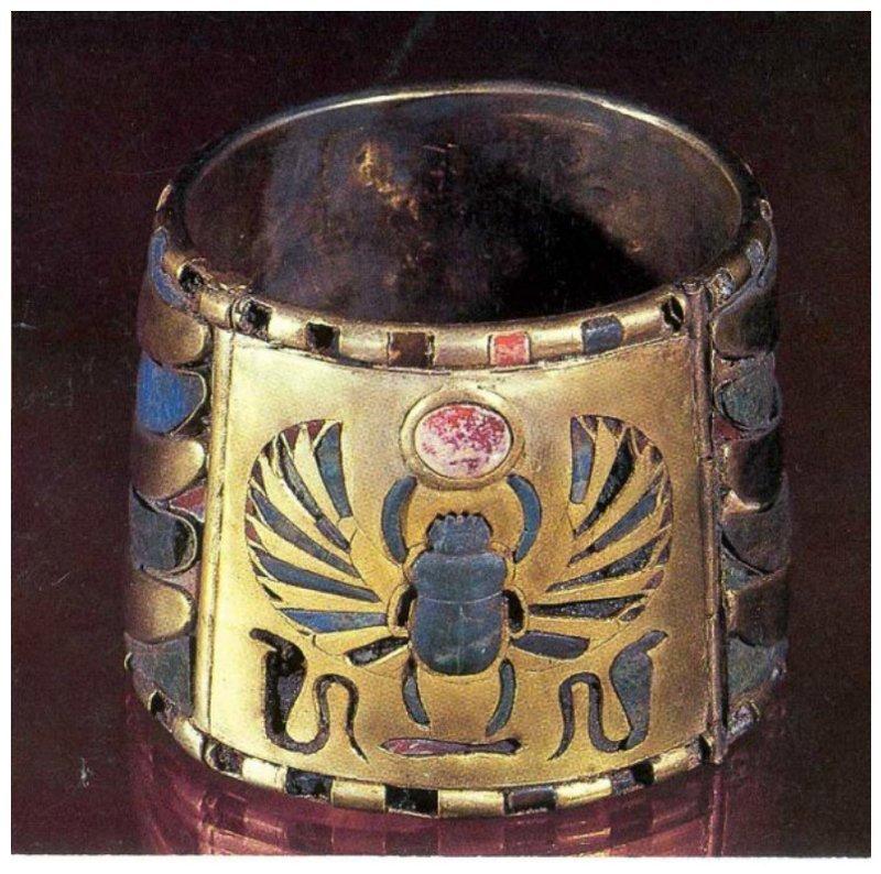 Ножной браслет Тутанхомона,  Каирский музей. древний египет, искусство, красота, невероятное, удивительное, ювелирное