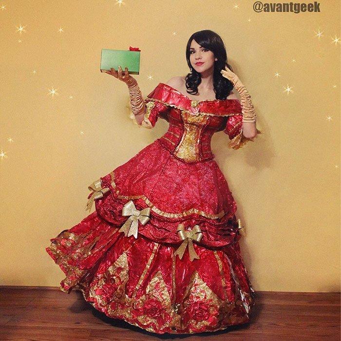 Для некоторых платьев используется широкая юбка на обручах для придания формы дизайнер, красиво, креатив, оригинально, платье, своими руками, творчество, фото
