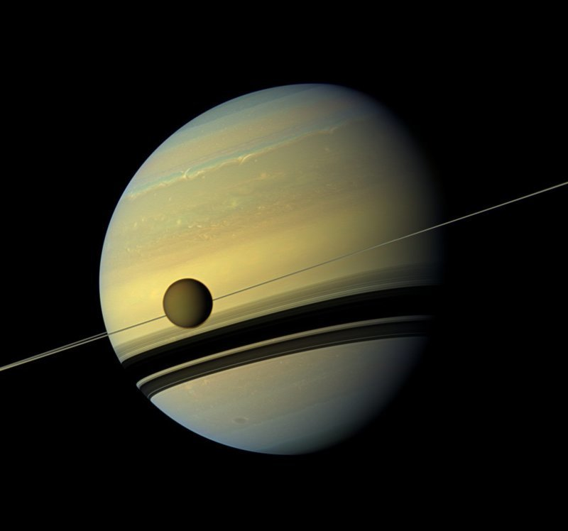 Космический аппарат, исследовавший Сатурн и его спутники на протяжении 13 лет, завершил свою грандиозную миссию и сгорел в атмосфере планеты 2017, в мире, интересное, космос, наука, научные открытия, планета, ученые