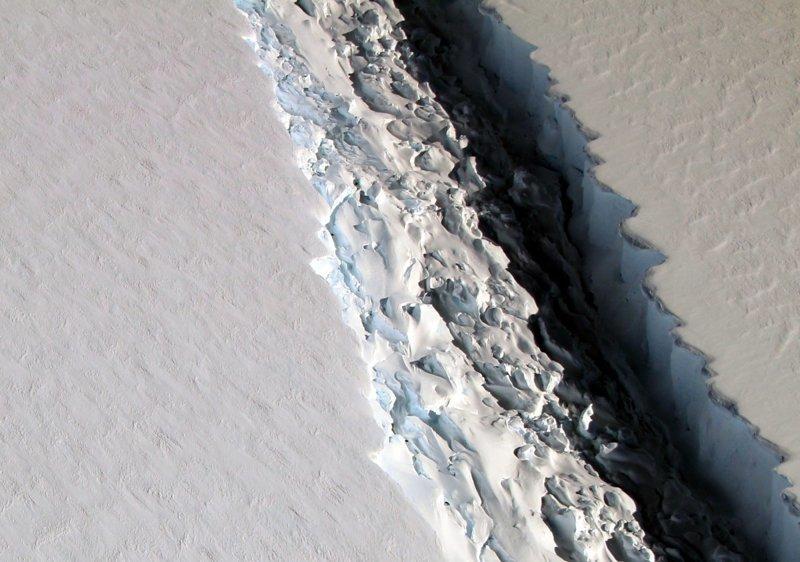 Ученые получили еще одно доказательство плачевного состояния ледового покрова планеты 2017, в мире, интересное, космос, наука, научные открытия, планета, ученые
