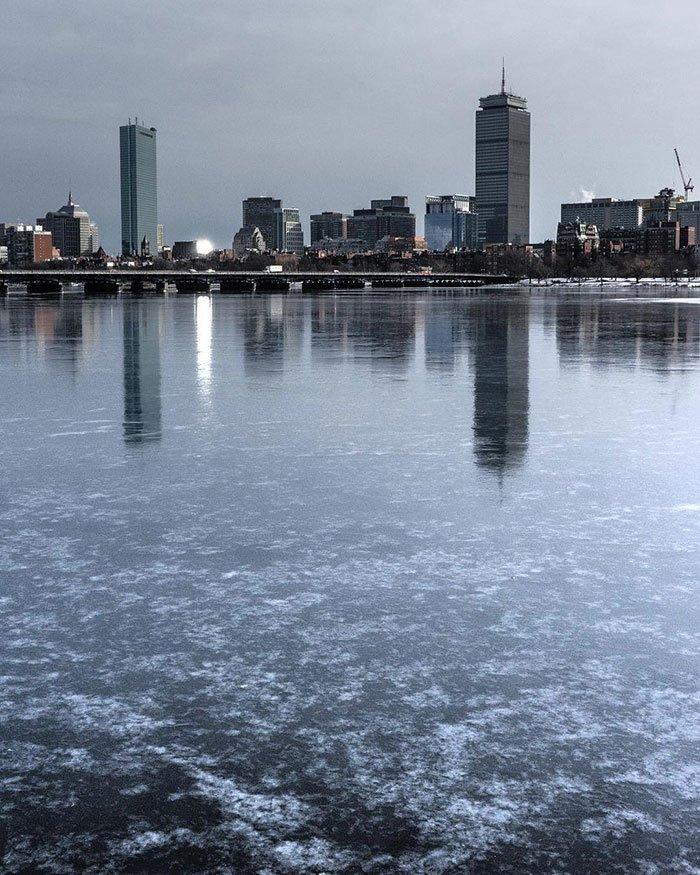 21. Бостон на льду канада, мороз, погода, сша, фото, холод, явление
