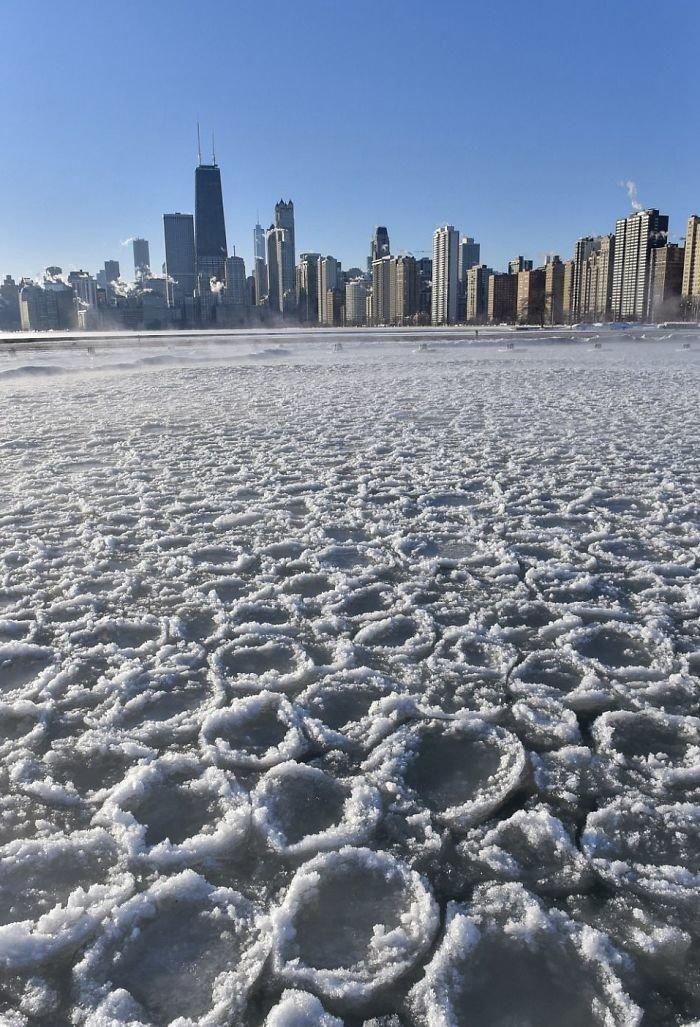 16. Лед у побережья Чикаго канада, мороз, погода, сша, фото, холод, явление