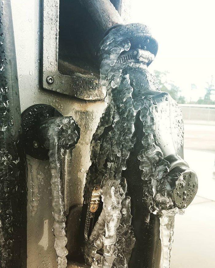 24. На заправке канада, мороз, погода, сша, фото, холод, явление