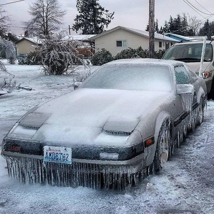 18. Машина в ледяном панцире канада, мороз, погода, сша, фото, холод, явление