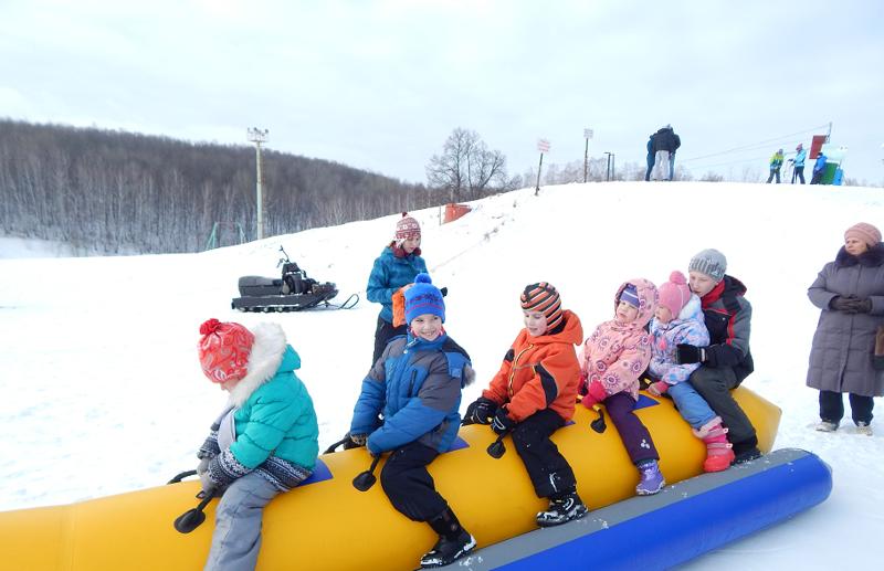 Надувной универсальный банан ватрушки, зима, зимние развлечения, россия, сани, смешно, фото
