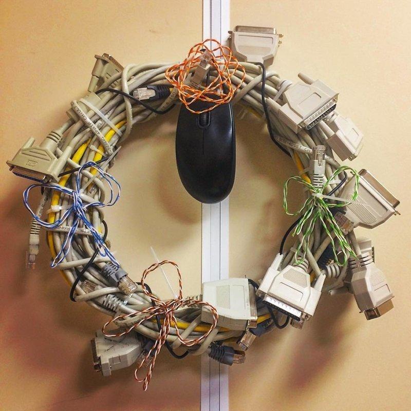 Рождественский венок айтишника починил, прикол, рукожопие, рукопопы, сделай сам, я починил, я у мамы инженер