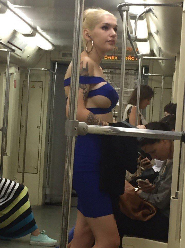 Сумасшедшие наряды российских модниц, от которых не оторвать глаз девушки, женщины, мода, одежда, платье, прикол, юмор