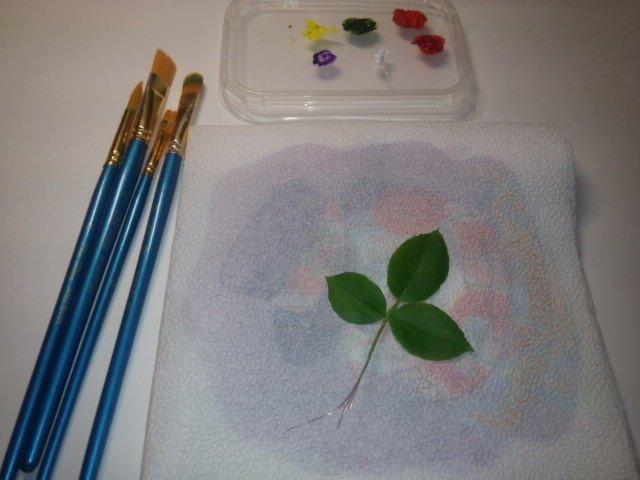тонировка листьев изготовление цветка, лепка розы, рукоделие с процессом, создание розы из фарфора, цветы из глины