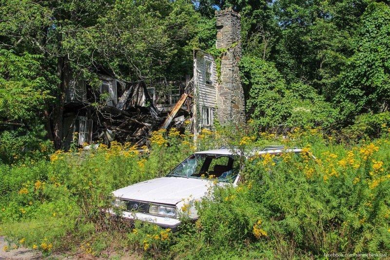 У заброшенного дома в Пенсильвании. америка, нью-йорк, олдтаймер, ретро авто, ретро автомобили, сша, фото, фотографии