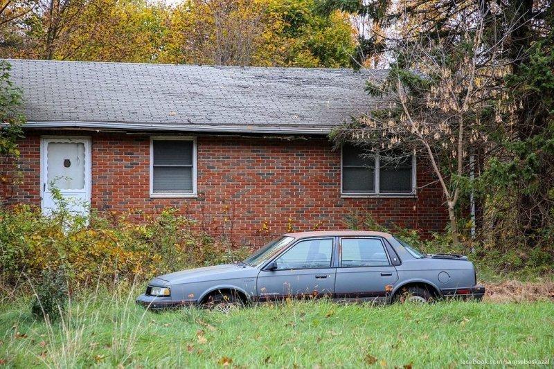 Брошенный дом и машина. америка, нью-йорк, олдтаймер, ретро авто, ретро автомобили, сша, фото, фотографии