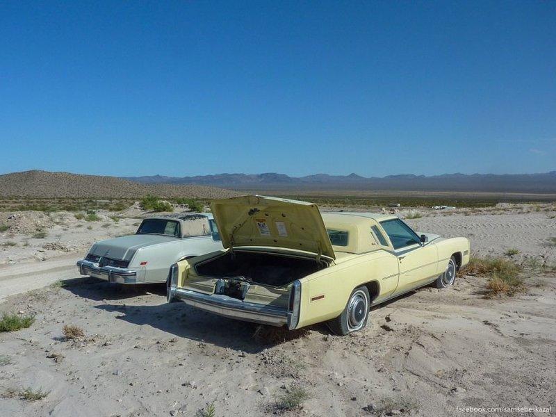 В невадской пустыне. америка, нью-йорк, олдтаймер, ретро авто, ретро автомобили, сша, фото, фотографии