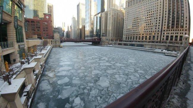 Вода в реке Чикаго повторно замерзла, в результате чего образовалась эта ледяная мозаика необычные вещи, прикол, фото
