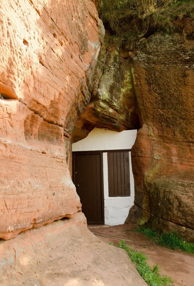 Дома, выдолбленные в скалах и камнях город, горы, дом, дом в горе, дом в скале, скала, эстетика