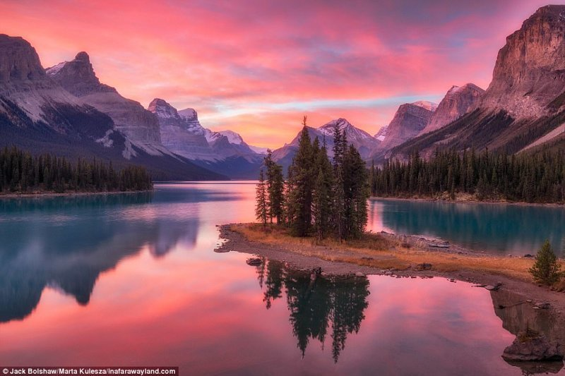 Spirit Island, езерото Малайн, Канада в света, красиви снимки, красива гледка, пейзажи, природа, пътуване, снимки, фотографи