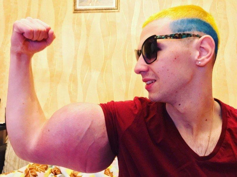 Мечты сбываются: Кирилл «Руки-базуки» встретился с кумиром