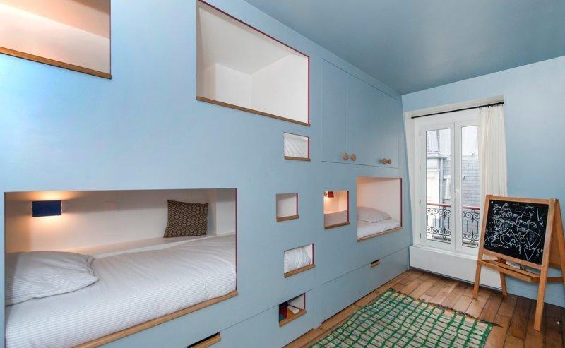 Квартира с кроватями в шкафу в Париже