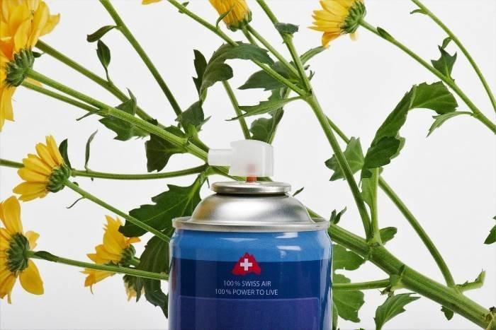 Перед заполнением 8-литровых баллонов воздух очищается и фильтруется Swissbreeze, баллончик, свежий воздух, швейцария