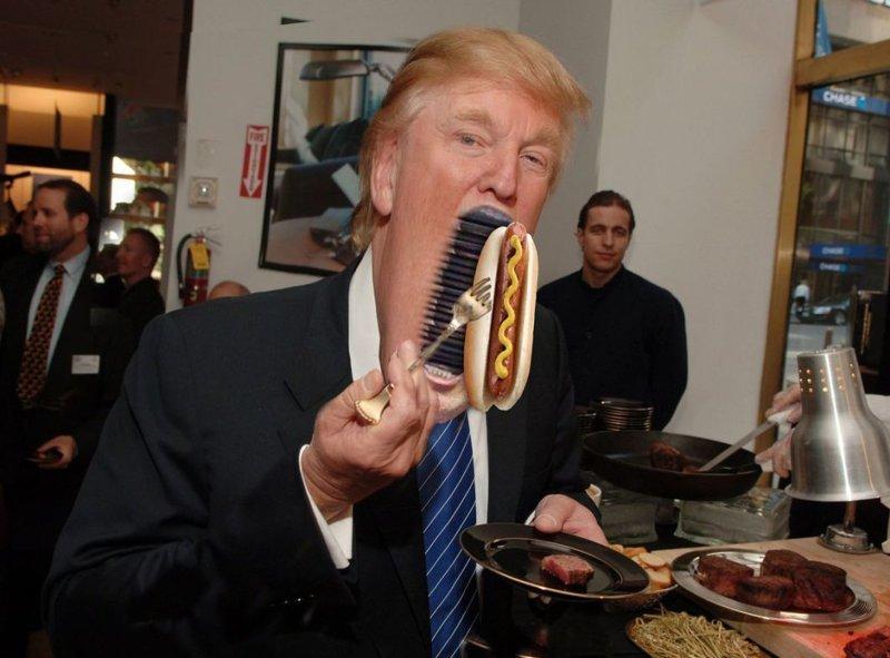 И снова Трамп стал главным героем битвы фотошоперов Дональд Трамп, битва, газета, снимок, тролль, фото, фотошоп