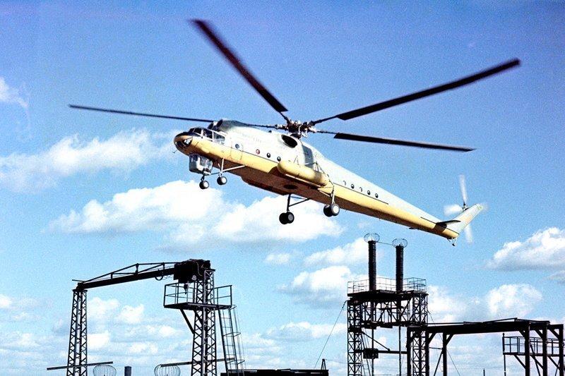 Ми-10К - модификация Ми-10, созданная для строительно-монтажных работ.  Вертолеты России, Ми-1, Ми-24, Ми-8, авиаконструктор Михаил Миль