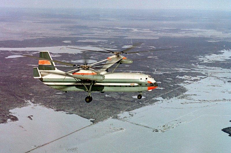 Ми-12 (по классификации НАТО: «Гомер») - самый тяжелый и грузоподъемный вертолет в мире. Его максимальная взлетная масса составляла 105 тонн, а диаметр несущего винта - порядка 35 метров.  Вертолеты России, Ми-1, Ми-24, Ми-8, авиаконструктор Михаил Миль