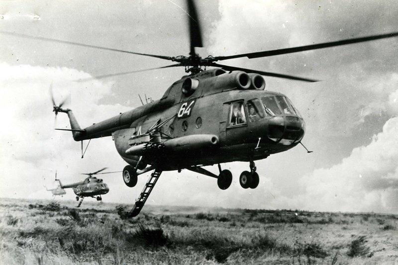 Ми-8 - самый массовый двухдвигательный вертолет в мире, который также входит в список самых массовых вертолетов в истории авиации. Всего построено более 12 тысяч вертолетов Ми-8 всех модификаций. Используется как для гражданских, так и для военных за Вертолеты России, Ми-1, Ми-24, Ми-8, авиаконструктор Михаил Миль