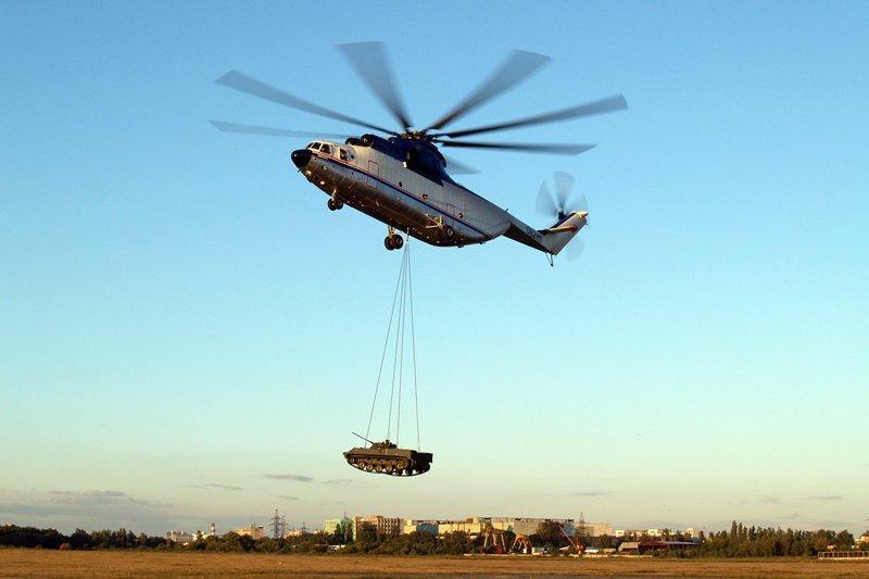 Ми-26 - крупнейшим в мире серийно выпускаемый транспортный вертолет. Способен перевозить до 20 тонн в грузовой кабине или на внешней подвеске. Не имеет конкурентов мире ни по грузоподъемности, ни по экономическим показателям.  Вертолеты России, Ми-1, Ми-24, Ми-8, авиаконструктор Михаил Миль