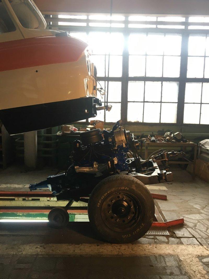 Сотрудники завода ЗИЛ (МСЦ6 АМОЗИЛ) восстанавливают легендарный микроавтобус ЗИЛ-118 «Юность» ЗИЛ-118 «Юность», автобус, фоторепортаж
