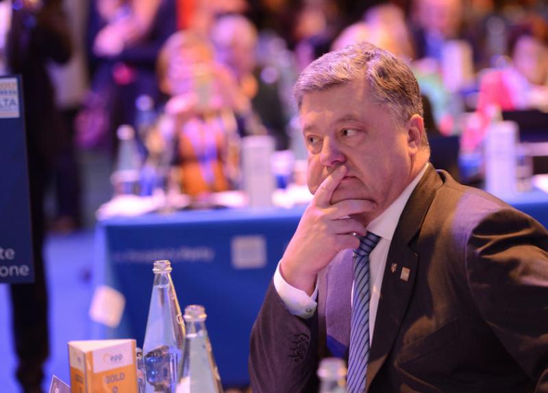 """""""Циничные бандеры"""", """"подлый режим"""". Оговорки Порошенко, которые ему не простят Порошенко, оговорки, оккупация, оратор, президент украины. бандера, украина, церковь"""