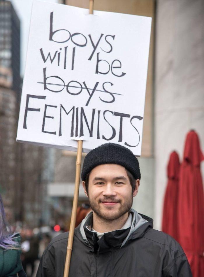 """""""Мальчики не останутся просто мальчиками - они станут феминистами!"""" ynews, вашингтон, женский марш, наглядная агитация, новости, нью-йорк, оригинально, сша"""
