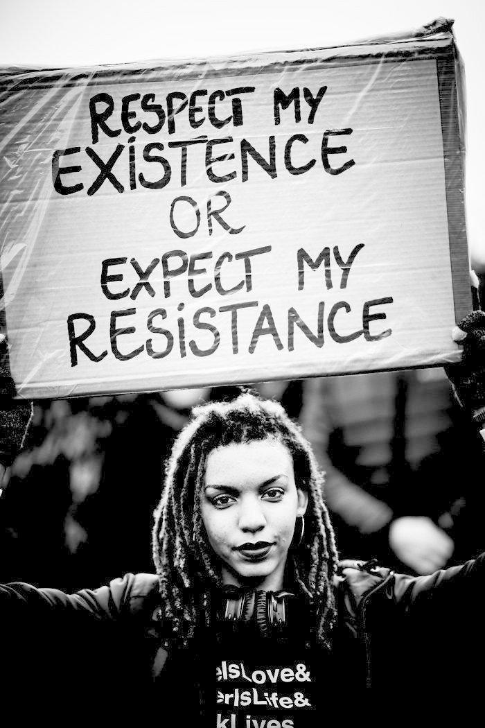 """""""Проявляйте ко мне уважение, или получите в ответ сопротивление"""" ynews, вашингтон, женский марш, наглядная агитация, новости, нью-йорк, оригинально, сша"""