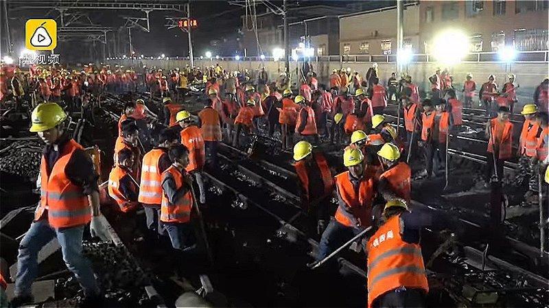 Новая железнодорожная станция расположена в округе Лунъянь (провинция Фуцзянь) ynews, Эффективность, вот это да!, высокоскоростные поезда, железная дорога, китай, китайские работники, строительство