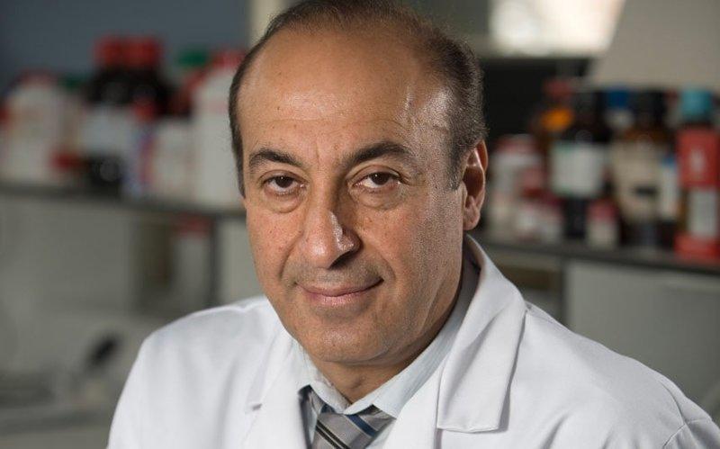 Британский медик Александр Сейфалиан разрабатывает искусственное влагалище из свиного кишечника и стволовых клеток человека. бионический протез, здоровые, медицина, наука, половые органы, стволовые клетки, ученые, хирург