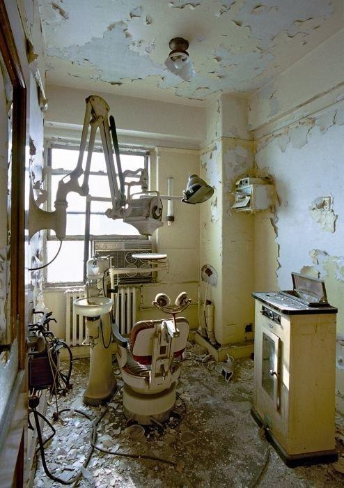 Жуткие места, в которых никого и никогда уже не вылечат больницы, жутковато, заброшенные места, фото