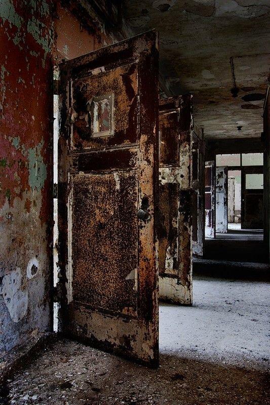 Государственная больница в Ратене больницы, жутковато, заброшенные места, фото