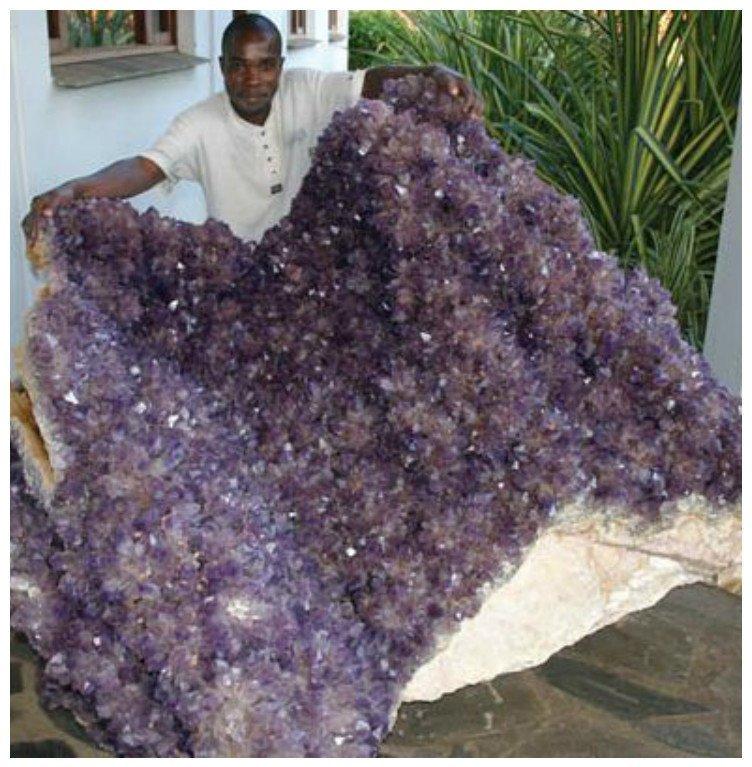 Подарите даме камешек - один на всю оставшуюся жизнь драгоценности, камни, огромные, полудрагоценные, самые большие, факты